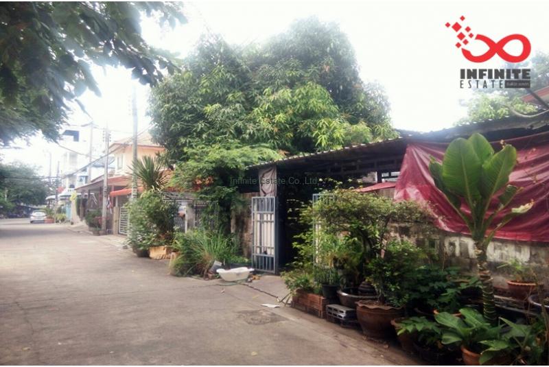 บ้านแฝด 2 ชั้น หมู่บ้านประชานิเวศน์3 ใกล้ทางด่วนงามวงศ์วาน