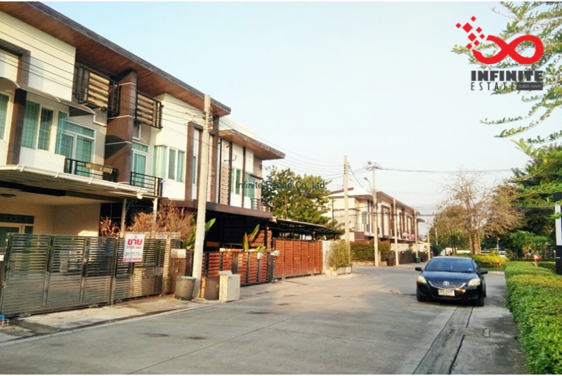 ทาวน์โฮม หมู่บ้านกัสโต้ พหลโยธิน48 ใกล้รถไฟฟ้าสายสีเขียว สถานีสายหยุด