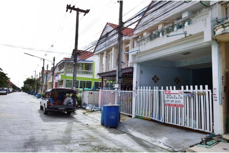 ทาวน์โฮม 2ชั้น หมู่บ้านไทยสมบูรณ์ 2 ถนนรังสิต-นครนายก