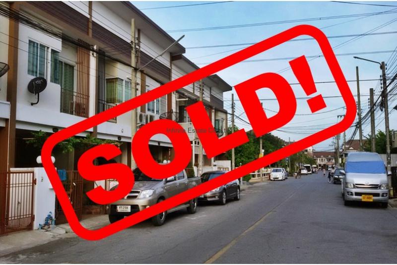 ขายทาวน์เฮ้าส์หมู่บ้านเคซี คลัสเตอร์ รามอินทรา 7 ถนนไทยรามัญ
