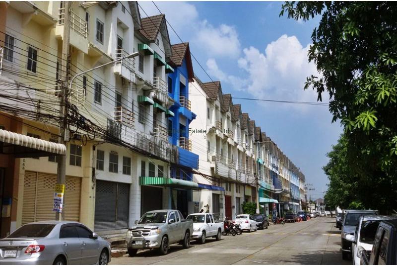 ขายอาคารพาณิชย์ 3.5 ชั้น หมู่บ้านสถาพร รังสิต-คลอง3 ถนน รังสิต-นครนายก