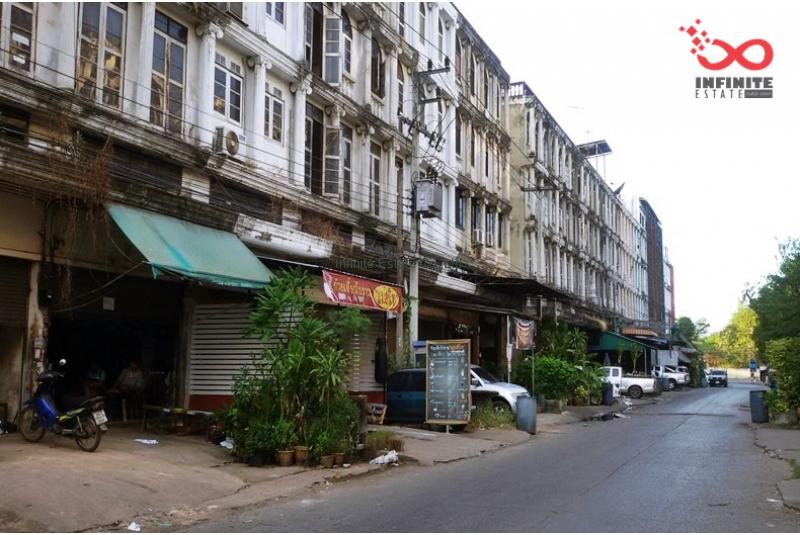ขายอาคารพาณิชย์ 3.5 ชั้น  20 ตารางวา ถนนรังสิต-ปทุมธานี  ตกแต่งใหม่ทั้งหลัง
