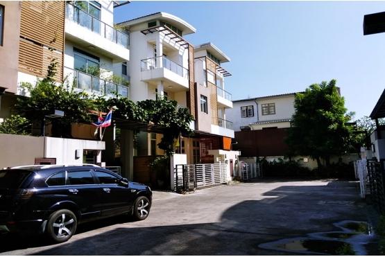 บ้าน3ชั้น ไอริส เรสซิเดนซ์ ถนนประดิษฐ์มนูธรรม