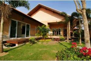 80942, ขายบ้านเดี่ยว 200 ตารางวา บางละมุง ชลบุรี พร้อมสระว่ายน้ำ