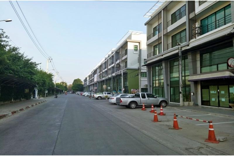 ขายอาคารพาณิชย์ 4ชั้น ใกล้รถไฟฟ้าสายสีชมพู สถานีปากเกร็ด ถนนติวานนท์