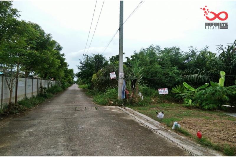 ที่ดิน หมู่บ้าน เปรมฤทัยฟ้าหลวง 107 ตรว ซอยลำลูกกา47