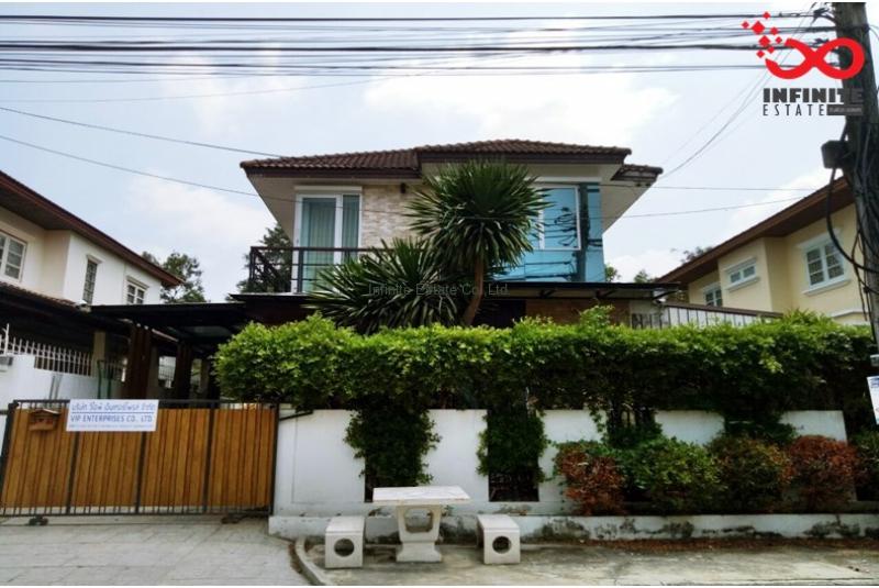 บ้านเดี่ยว หมู่บ้านการเคหะ ถนนสุวินทวงศ์