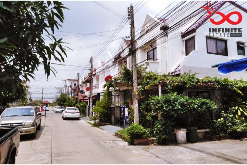 ทาวน์เฮ้าส์ บ้านสราญธร ถนนรังสิต-นครนายก