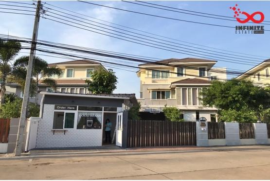 81763, ขายและให้เช่าบ้านเดี่ยว 3 ชั้น หมู่บ้านซื่อตรง แกรนด์ โฮม ถนนเสนานิคม 1