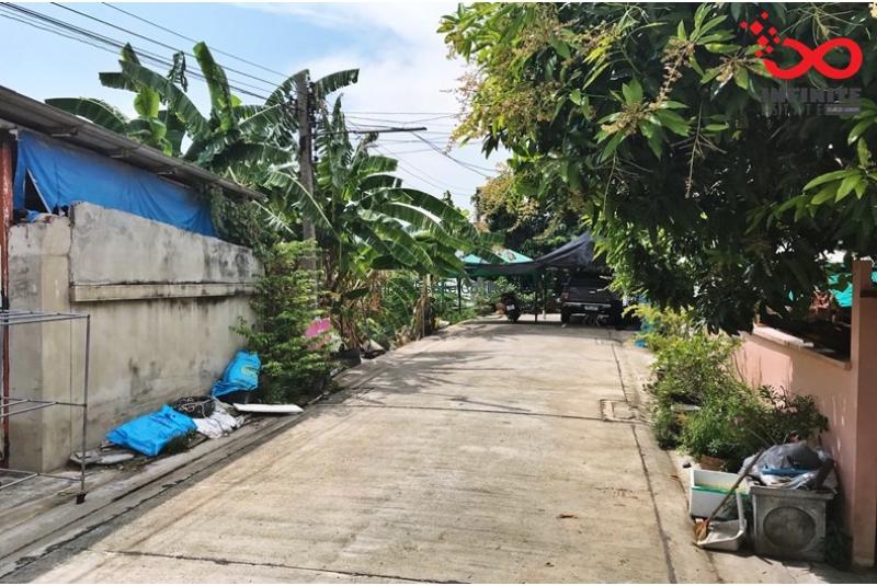 ที่ดิน 109 ตารางวา หมู่บ้านเพชรปทุม ถนนรังสิต-ปทุมธานี