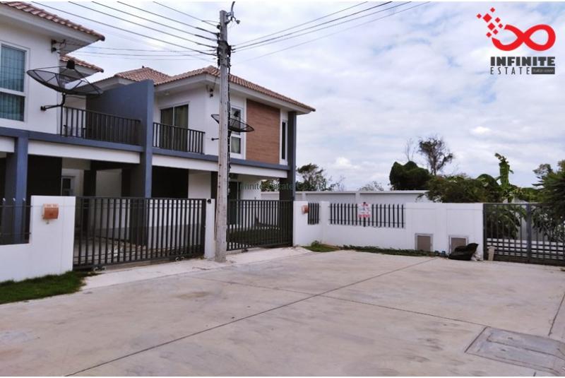 บ้านแฝด 2ชั้น ไอริส พาร์ค ชัยพฤกษ์-วงแหวน ถนนบางกรวย-ไทรน้อย หลังริม