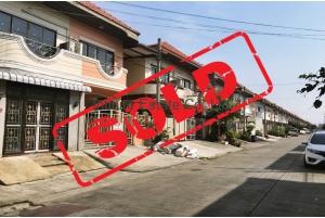 80937, บ้านแฝด หมู่บ้านรุ่งกิจ วิลล่า 11 ถนนร่มเกล้า ซอยร่มเกล้า32